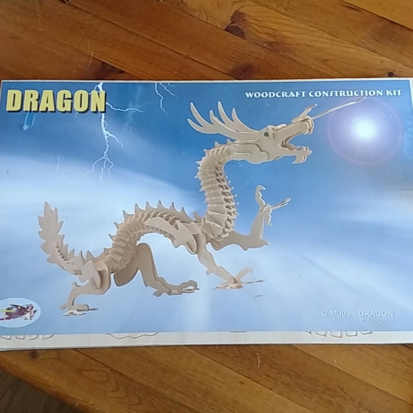 """None Other - Wood Dragon Kit 22"""" Built New in Packaging"""